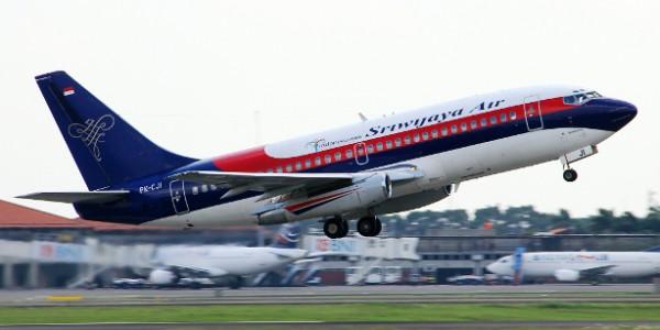 Pesawat SJ 585 Tergelincir di Bandara Hasanudin