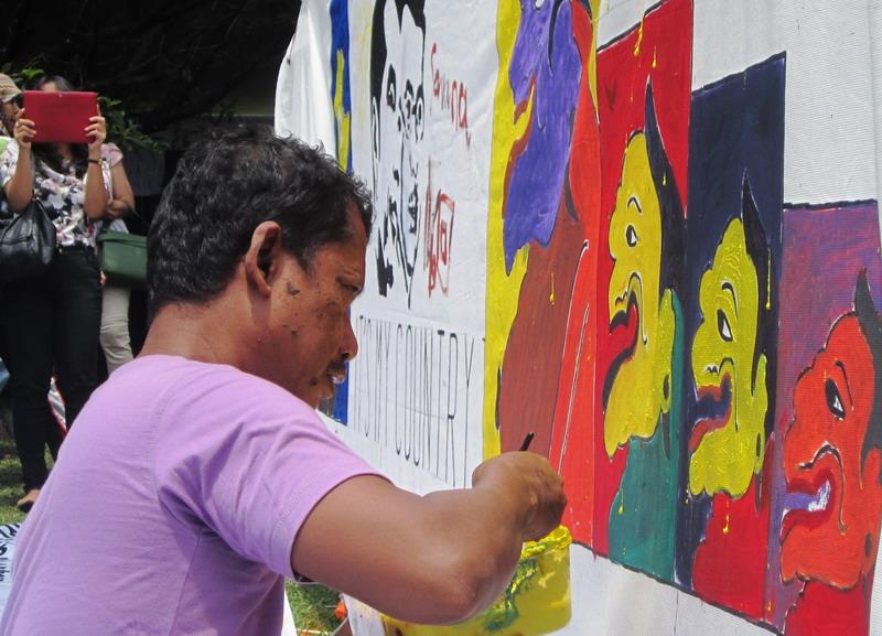 Pelukis Art Brut Dwi Puro Mulyono