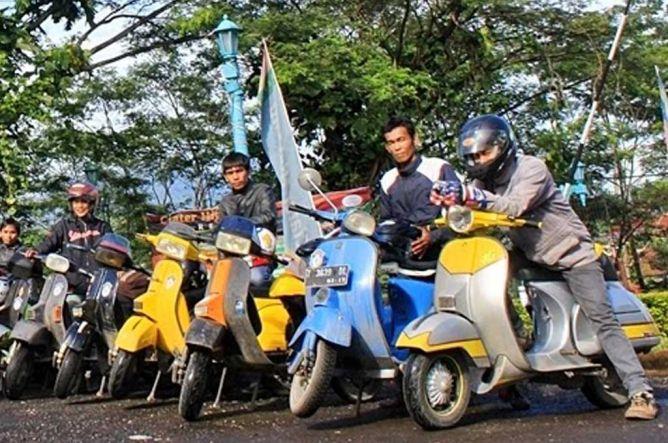 Photo of Ingin Touring Pakai Vespa Jadul? Pastikan Semuanya Aman!