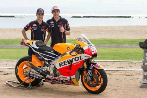 Marquez dan Pedrosa Memamerkan Warna Baru Repsol Hoda MotoGP