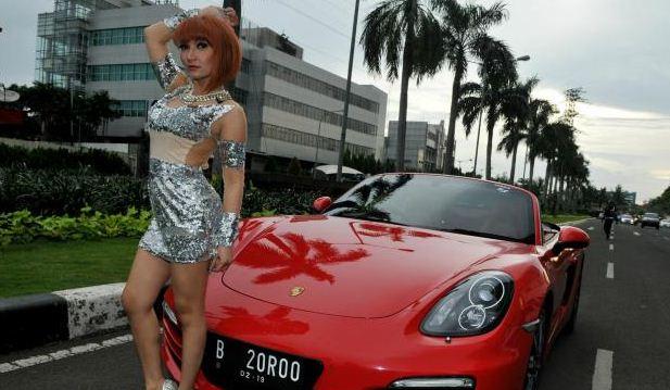 WOW Roro Fitria Habiskan 290 Juta Perbulan Untuk Biaya Kecantikan