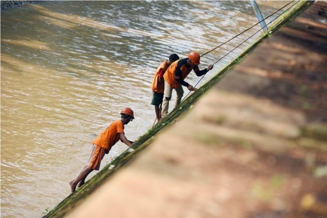 55 Ribu Warga Depok Buang Air Besar di Sungai dan Situ