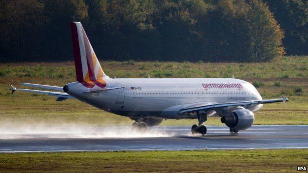 Awak Pesawat Trauma, 30 Penerbangan Germanwings Dibatalkan