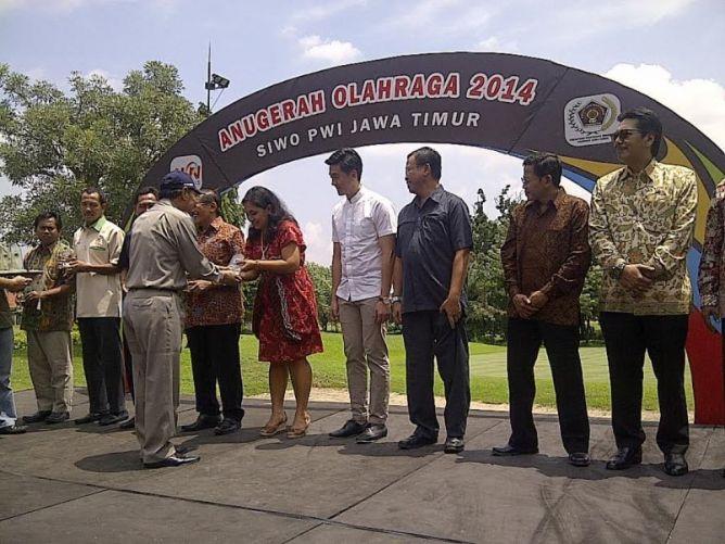 Dua Atlet Jawa Timur Dinobatkan Sebagai Atlet Terbaik 2014