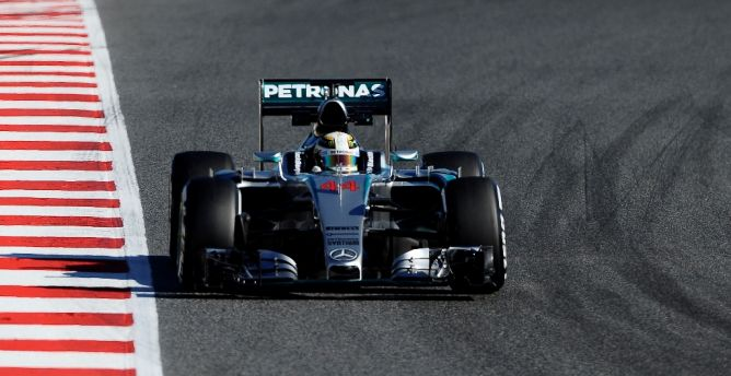 Photo of Hamilton Kuasai Tes Terakhir di Catalunya