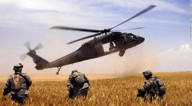Jatuh Saat Latihan, 11 Awak Helikopter Militer Florida Raib