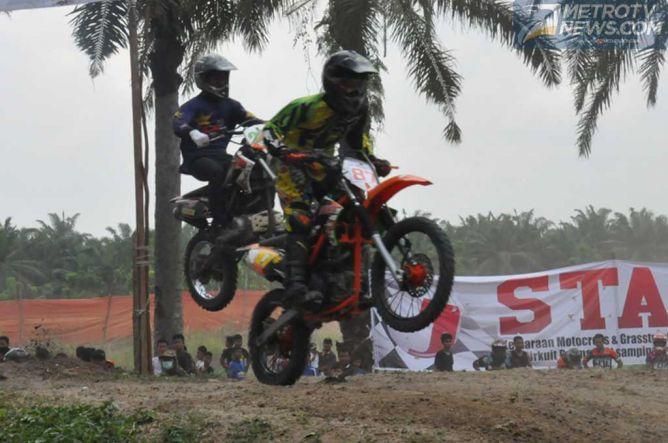 Kejurda Grasstrack Riau, Sekarang Pakai Ban Satu Merek