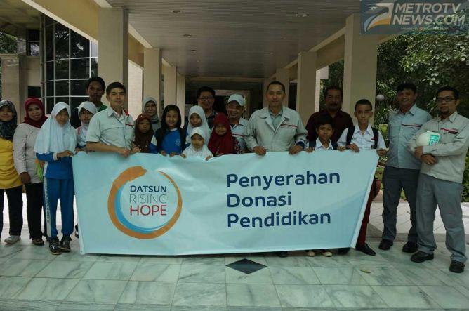 Nissan Donasikan Komputer ke 26 Sekolah di Jawa Barat
