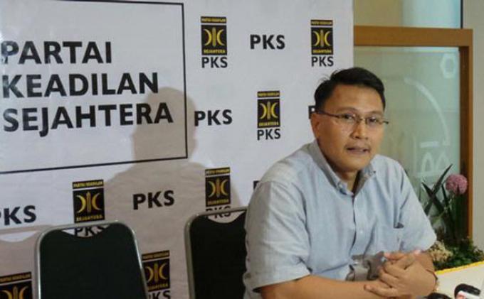 PKS Tidak Urusi Langkah Golkar Kubu Agung Lakukan Roadhow Politik