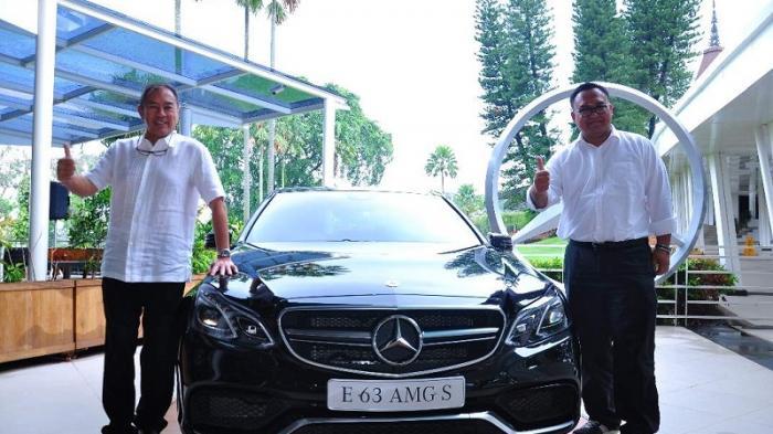 Pemilik Mercedes Diajak Berkompetisi Golf