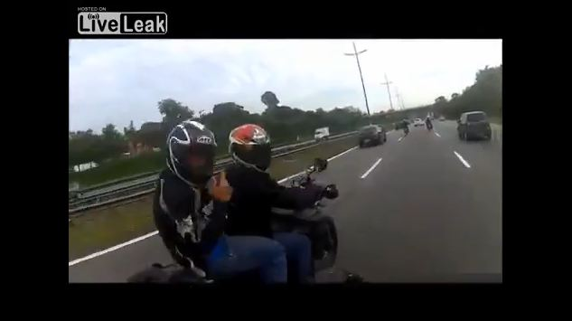 [VIDEO] Ajak Begal Ninja Balapan Di Siang Bolong