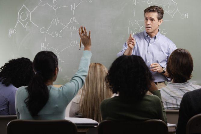60 Persen Guru di UK Menjadi Korban Cyberbullying