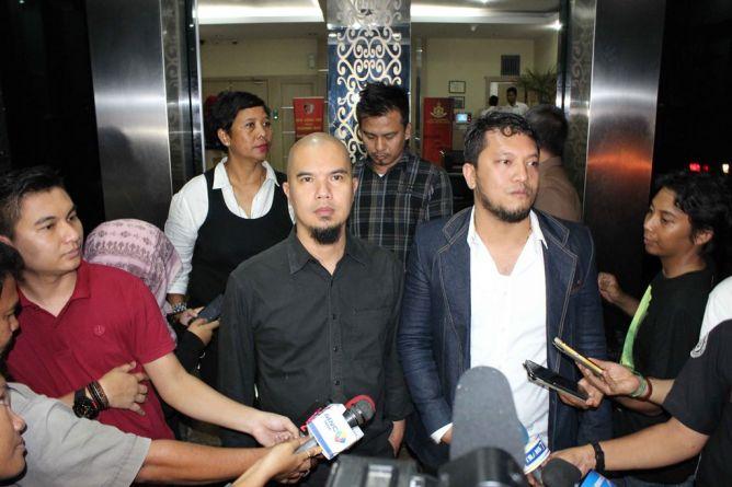 Ahmad Dhani Penuhi Panggilan Polda Metro Jaya Terkait Perseteruannya dengan Farhat Abbas