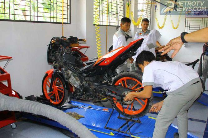 DAM Honda Gelar Kompetisi Mekanik SMK Tingkat Regional