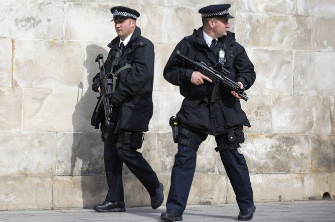 Dicurigai Terlibat Terorisme, Enam WN Inggris Ditangkap