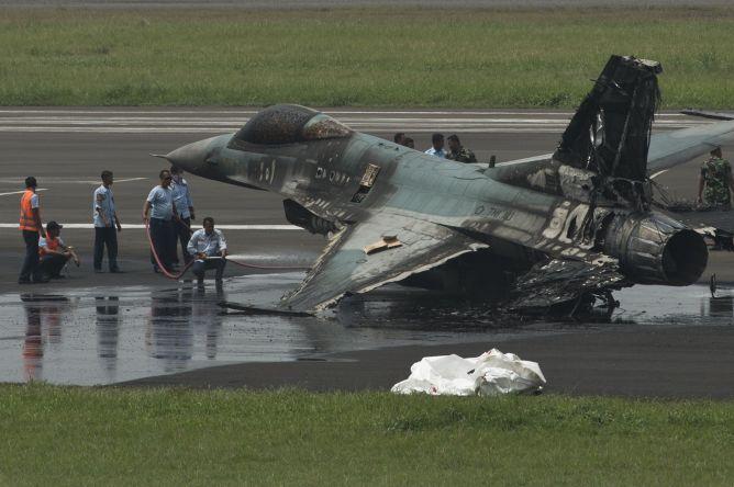 Dugaan Penyebab Pesawat F-16 Terbakar