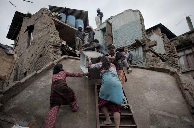 Jarah Rumah Kosong, Puluhan Warga Nepal Ditangkap