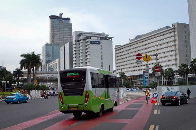 Kenali Marka Karpet Merah Busway, Tak Haram bagi Kendaraan Lain