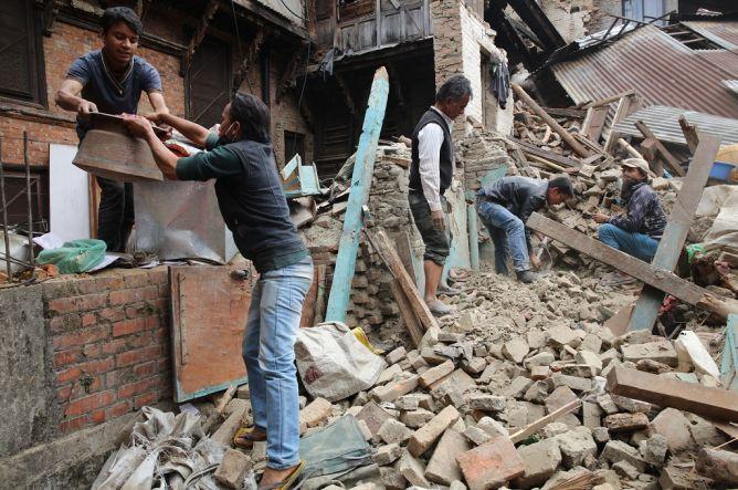 Menlu Retno Lepas Tim Bantuan ke Nepal Sore Ini