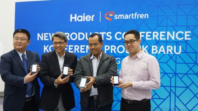 Ponsel 4G Smartfren akan Diproduksi di Indonesia