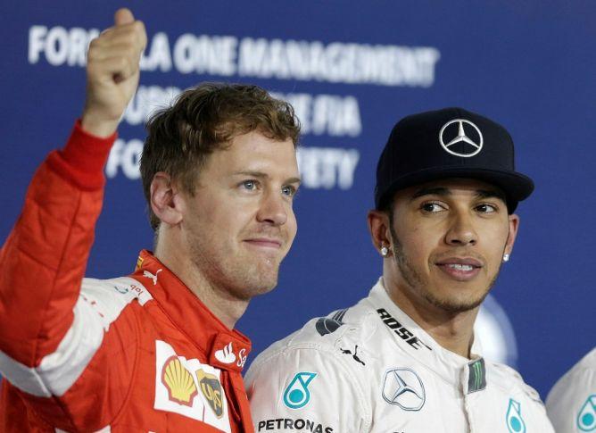 Raih Pole Position, Hamilton Waspadai Vettel