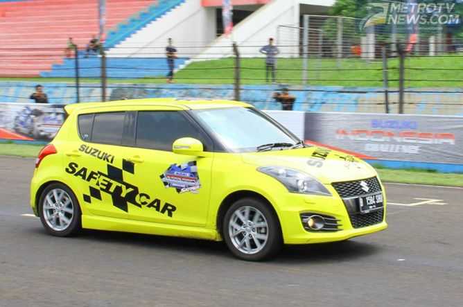 Suzuki Swift Sport jadi Safety Car dan Fast Doctor Hanya Main Stiker!