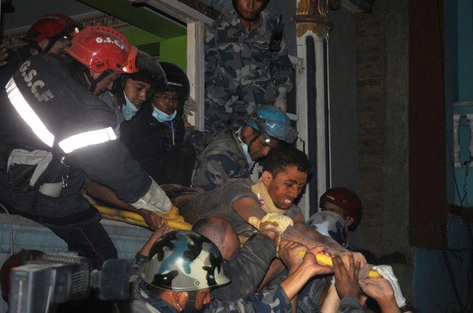 Terjebak Tiga Hari di Reruntuhan, Korban Gempa Nepal Selamat