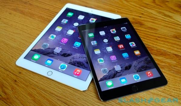 Photo of iPad Bekas Paus Francis Terjual dengan Harga USD30,500