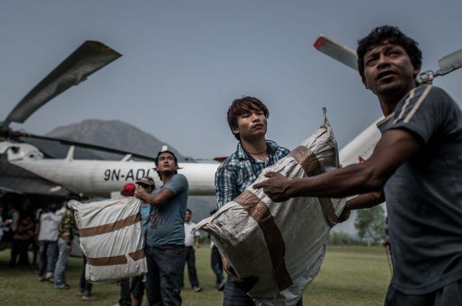 Netizen Nepal Koordinasikan Bantuan via Media Sosial