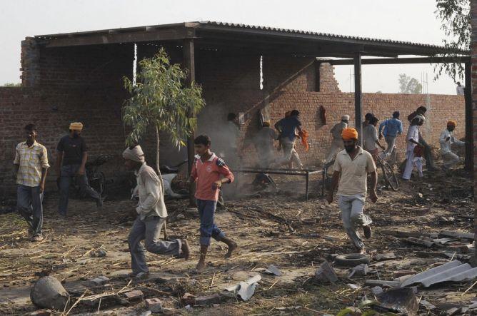 Pabrik Kembang Api Ilegal Meledak, 11 Orang Tewas