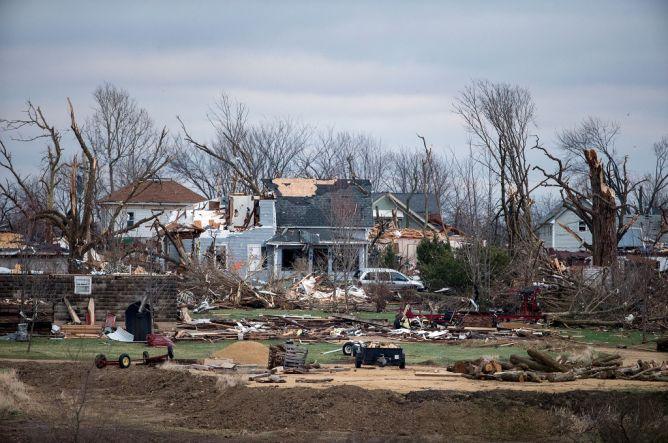 Tornado Landa Empat Negara Bagian AS