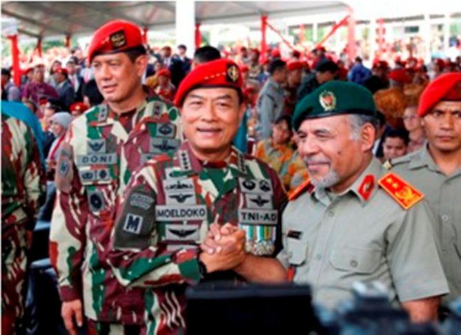 Transisi SBY-Jokowi Mulus, Panglima TNI Terima Penghargaan