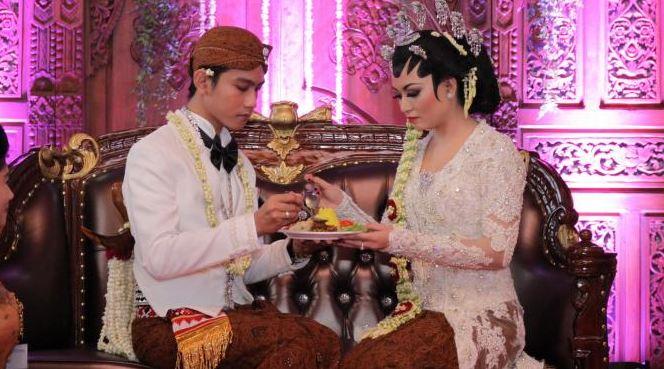 Pasangan Selvi Gibran Puasa 2015 akan Sahur Bersama
