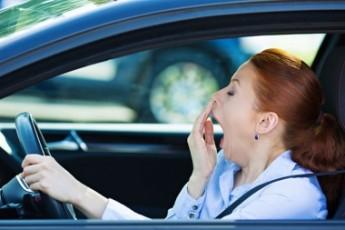 Tips Ampuh Atasi Kantuk Saat Berkendara