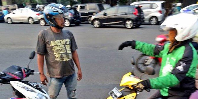Bentrok Gojek Vs Opang Di Bandung