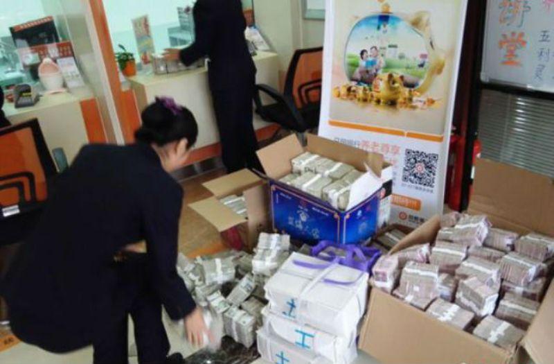 Pria Di Tiongkok Beli Apartemen Bayar Dengan Uang Receh