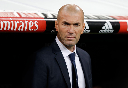 Photo of Madrid Dikandasi Wolfsburg, Zidane Tetap Optimistis
