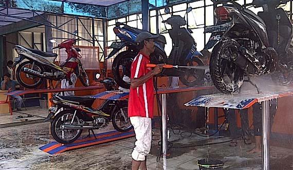 Photo of Tips Menjalani Bisnis Cuci Motor Bagi Pemula