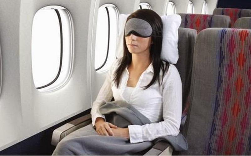Photo of Trik Tidur Nyenyak di Pesawat