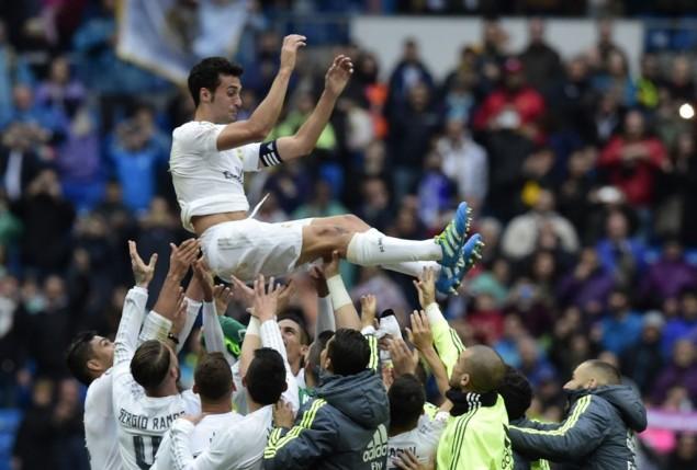 Photo of Salam Perpisahan Real Madrid Tuk Alvaro Arbeloa