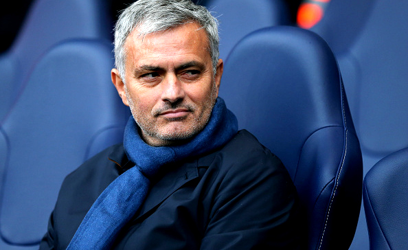 Photo of Jose Mourinho Resmi Besut Manchester United Hingga 2020