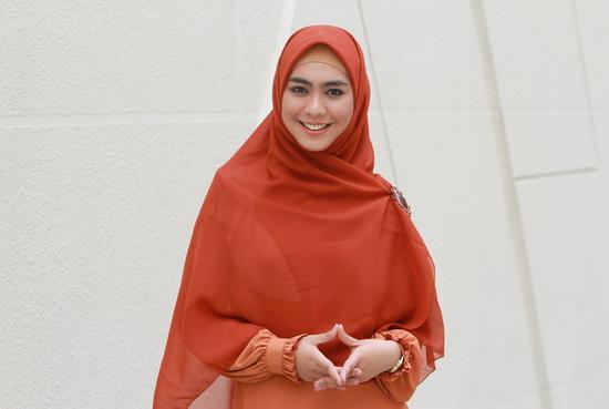 Photo of Sibuk Berdakwah, Oki Setiana Dewi Dirikan Masjid dan Pesantren
