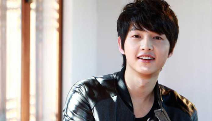 Song Joong Ki Menghelat Jumpa Fans di Hongkong