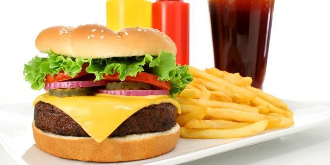 Hindarkan 4 Makanan Ini Jika Tidak Ingin Kecerdasan Otak Menurun 1