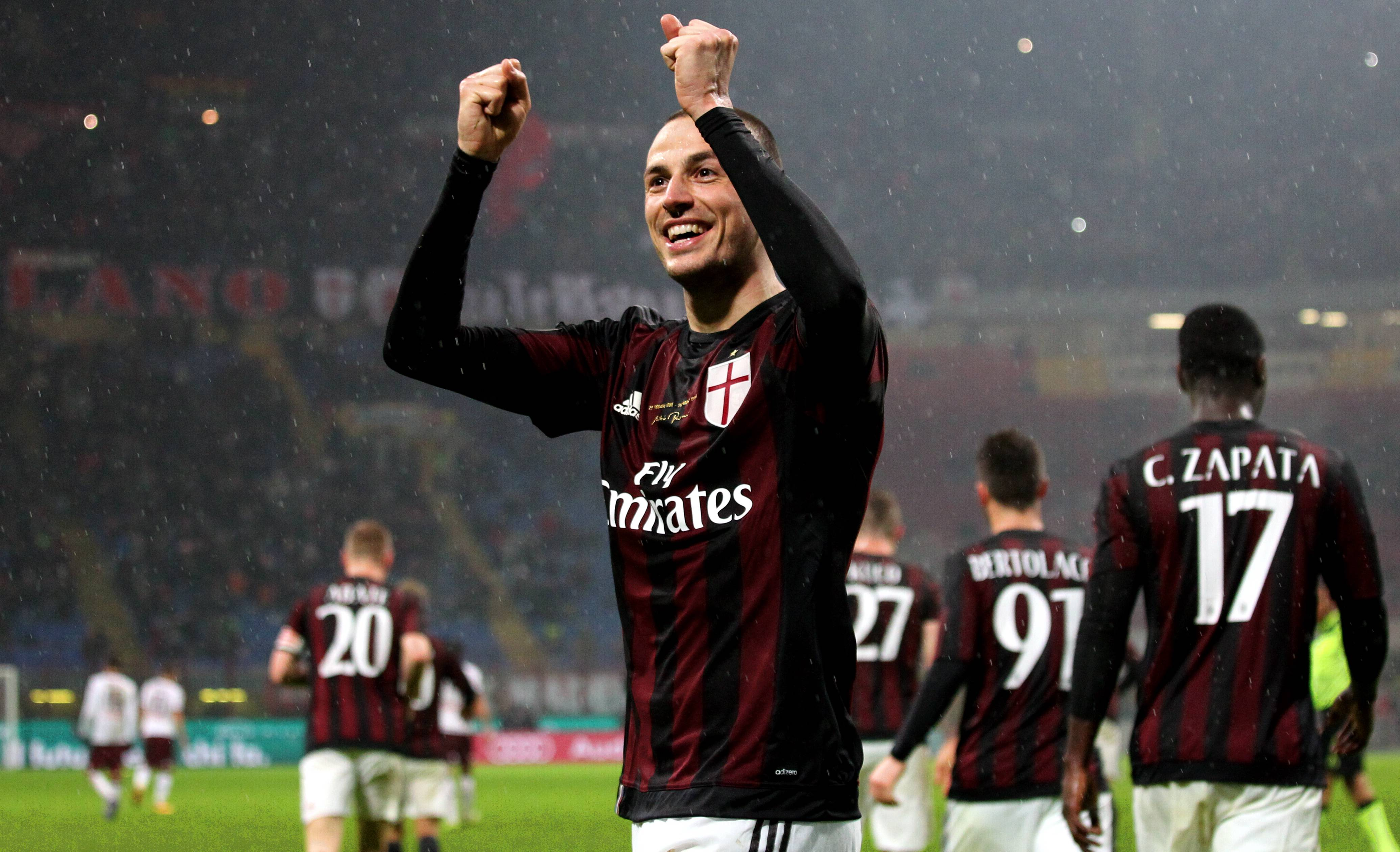 Photo of AC Milan Awali Musim Dengan Gelar Jawara