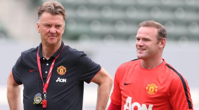 Photo of Van Gaal Mengunjuk Rooney Jadi Kapten Tim sebagai Pilihan Mudah