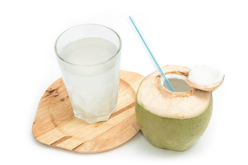 Photo of Segudang Manfaat Air Kelapa Untuk Kesehatan