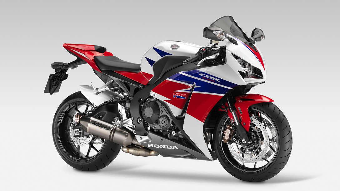 Inilah Spesifikasi dan Kelebihan Yang Diunggulkan Honda CBR1000RR 1