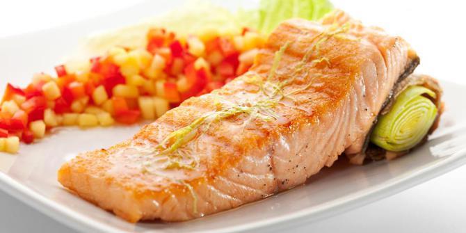 Photo of Inilah Sejuta Manfaat Ikan Salmon Untuk Kesehatannya Ibu Hamil