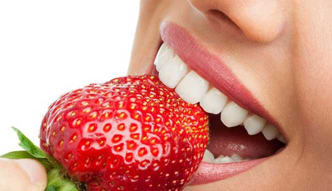 Miliki Masalah Gigi Kuning? 7 Bahan Alami Ini Ampuh Mengatasinya 1